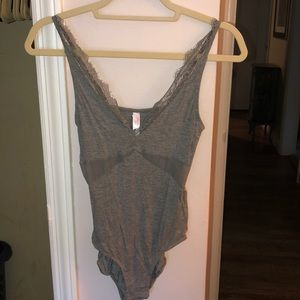 Other - Grey cotton bodysuit with lace trim